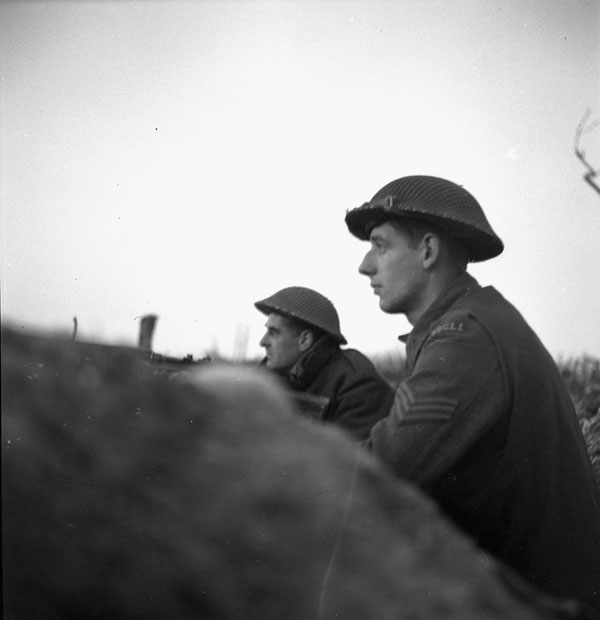 """Personnel of """"A"""" Company, Princess Patricia's Canadian Light Infantry (P.P.C.L.I.), in action north of Ortona, Italy, 29 January 1944."""