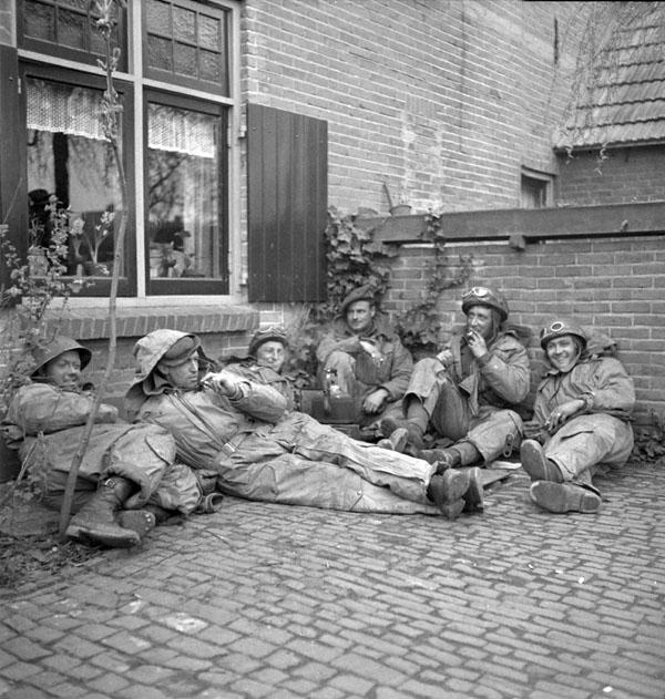 Infantrymen of The Calgary Highlanders, Doetinchem, Netherlands, 1 April 1945.