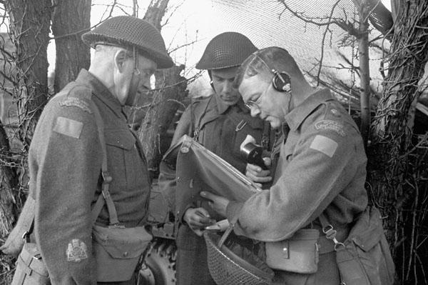 Infantrymen of The Highland Light Infantry of Canada taking part in a training exercise, Bognor Regis, England, 7 April 1942.