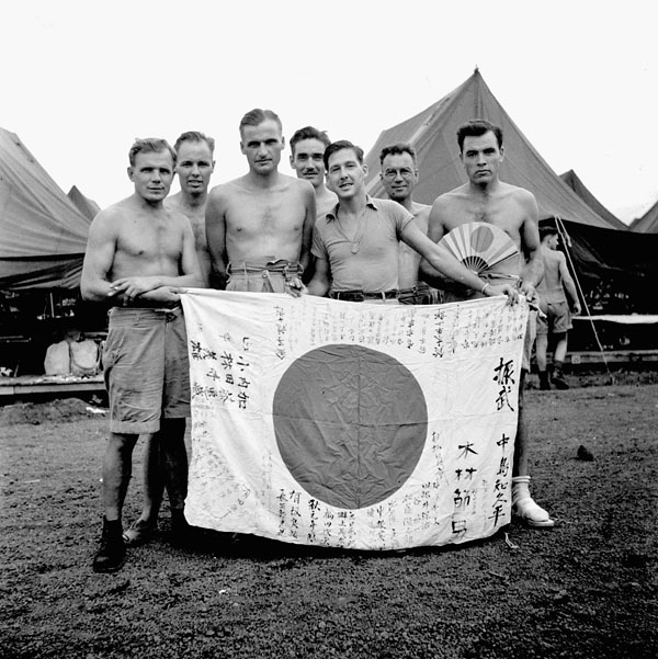 Liberated Canadian prisoners-of-war arriving in Manila, Philippines, 13 September 1945.