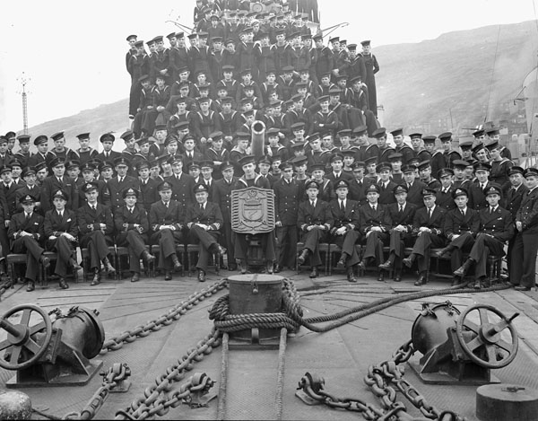 Ship's Company of the destroyer H.M.C.S. SKEENA, St. John's, Newfoundland, 21 November 1943.