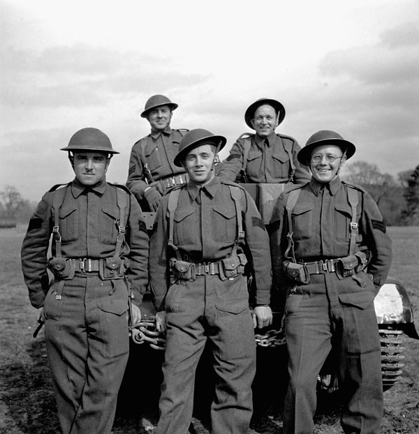 A Universal Carrier crew of the Regina Rifle Regiment taking part in a training exercise, England, 30 March 1943.