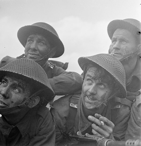 Infantrymen of Les Fusilers Mont-Royal taking part in a training exercise, Billingshurst, England, 29 January 1943.