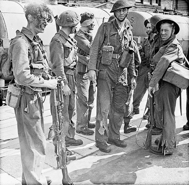 Soldiers who took part in Operation JUBILEE, the raid on Dieppe, returning to England, 19 August 1942.