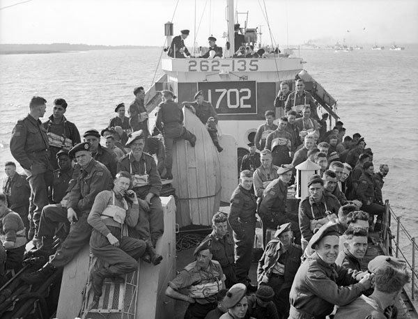 Infantrymen of the North Nova Scotia Regiment aboard LCI(L) 135 of the 2nd Canadian (262nd RN) Flotilla during a pre-invasion exercise, England, 9 May 1944.