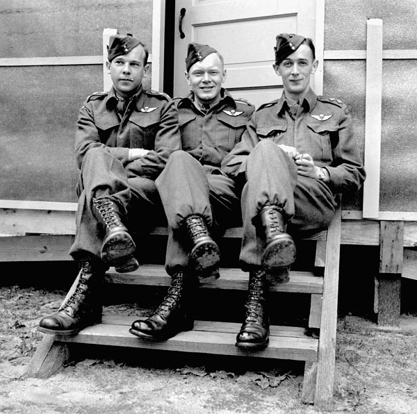 Medical officers of the 1st Canadian Parachute Battalion at the U.S. Army Parachute Training School, Fort Benning, Georgia, United States, 8 March 1943.
