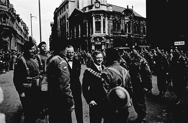 The Lord Mayor of Birmingham meeting officers of the 1st Canadian Army Tank Brigade, Birmingham, England, 17 July 1941.