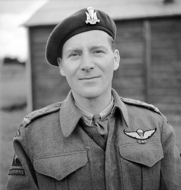 An unidentified lieutenant of the 1st Canadian Parachute Battalion, Carter Barracks, Bulford, England, ca. May-June 1944.
