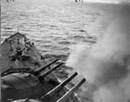 "MIKAN 3396573 Firing 15"" guns on one of our latest battleships. Feb. 1917. [150 KB, 1000 X 787]"