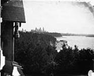 Parliament Buildings and the city of Ottawa looking up the Ottawa River from Reynolds House at Earnscliffe [72 KB, 760 X 612]