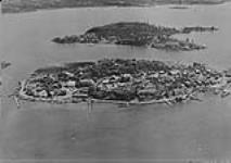 MIKAN 3299183 Town of Yellowknife (Aerial view) N.W.T. 1940 [Town of Yellowknife (Aerial view) N.W.T., 1940]