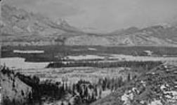 General view of Jasper Park Collieries Limited, Pocahontas, Alta. [114 KB, 1000 X 594]