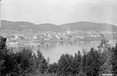 MIKAN 3324035 [Town] on St. Maurice River, P.Q. [ Probably St. Jean des  Piles]. 1926 [[Town] on St. Maurice River, P.Q. [ Probably St. Jean des Piles]., 1926]