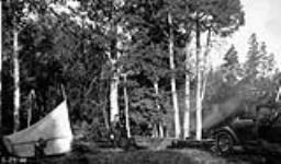 MIKAN 3384792 Camp in the Chilcotin country, B.C. 1923 - 1924 [117 KB, 760 X 444]
