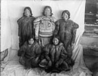 MIKAN 3406578 Aivillik women  [between 1903-1904]. [Aivillik women, [between 1903-1904].]