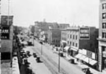 MIKAN 3302866 Jasper Avenue, Edmonton, Alta. c. 1925 [78 KB, 760 X 529]