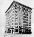 MIKAN 3302927 Macleod Building, Edmonton, Alta. [c. 1927] [78 KB, 531 X 580]