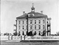 MIKAN 3334883 Edmonton General Hospital. ca. 1900-1925 [71 KB, 760 X 579]
