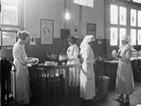 MIKAN 3366158 Red Cross Room, [Immigration Building, Québec, (Québec)]. [59 KB, 760 X 570]