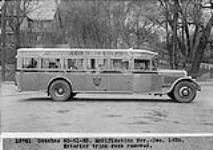 MIKAN 3657427 Gray Coach Lines bus, Exterior trunk rack removed, modification Nov. Dec. 1938. nov-december 1938. [Gray Coach Lines bus, Exterior trunk rack removed, modification Nov. Dec. 1938., nov-december 1938.]