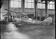 MIKAN 3241746 Avro Type 626 no. 226 on wheels  ca. 1937-1940. [Avro Type 626 no. 226 on wheels, ca. 1937-1940.]