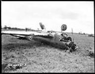 MIKAN 3582877 Damaged Curtiss Kittyhawk I aircraft of R.C.A.F. ca. May 1942 [161 KB, 1000 X 781]