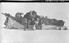 MIKAN 3407934 B.M. McConnell, [Alaska], 1914. 1913 - 1914 [113 KB, 1000 X 625]