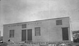 MIKAN 3327762 Hudson's Bay Co., store, [Cape] Dorset, [N.W.T.]. June 1924 [Hudson's Bay Co., store, [Cape] Dorset, [N.W.T.]., June 1924]