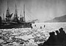 MIKAN 3192814 Ice in harbour. 6 Aug. 1926 [60 KB, 640 X 451]
