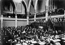 Vue de l'intérieur de la Chambre des communes, session de1897. 20 mai 1897 [122 KB, 760 X 522]