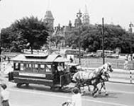 MIKAN 3401724 Ottawa City Passenger Railway Co.'s horse-drawn street car which was used in the 1870s. ca. 1950. [Ottawa City Passenger Railway Co.'s horse-drawn street car which was used in the 1870s., ca. 1950.]