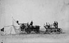 MIKAN 3361124 [Saskatchewan threshing machine]. [early 1900's]. [[Saskatchewan threshing machine]., [early 1900's].]
