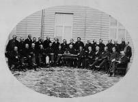 MIKAN 4696422 Les délégués des provinces à la conférence de la Confédération à Québec  27 Octobre 1864. [Les délégués des provinces à la conférence de la Confédération à Québec, 27 Octobre 1864.]