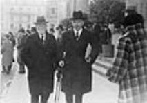 MIKAN 3362855 Rt. Hon. W.L. Mackenzie King and Senator Raoul Dandurand at a League of Nations conference. 29 Sept. 1936 [Rt. Hon. W.L. Mackenzie King and Senator Raoul Dandurand at a League of Nations conference., 29 Sept. 1936]