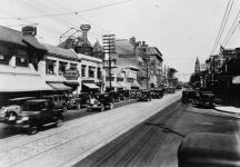 MIKAN 3192892 Bloor Street. 1930 [59 KB, 640 X 444]