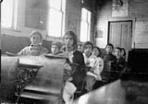 MIKAN 3193457 Jewish farm children at Tiferes School. 1915 [Jewish farm children at Tiferes School., 1915]