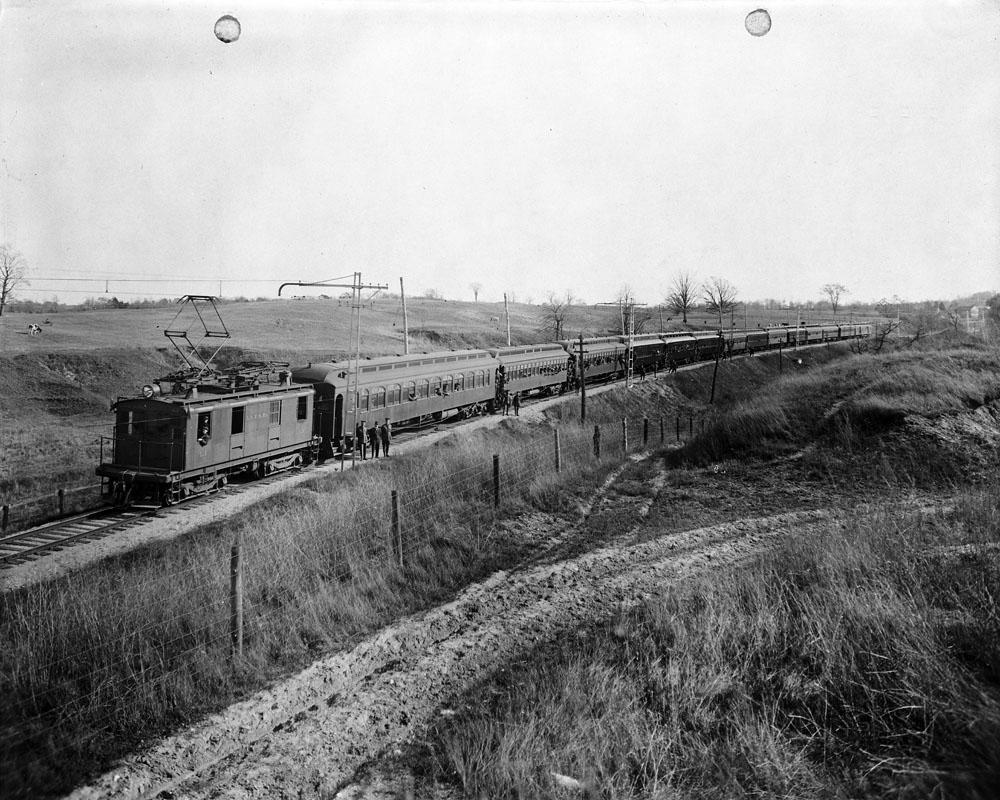 London and Port Stanley Railway L-1 et de la gare d'autocars Grand Tronc avec les troupes de la Première Guerre mondiale