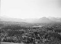 MIKAN 3611769 South view at Mill Creek station from Crowsnest Forest Reserve Survey, AB, 1914. 1914 [66 KB, 600 X 427]