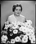 MIKAN 4342341  Mme C.P. Plaxton. 10 novembre 1936 [Mme C.P. Plaxton., 10 novembre 1936]