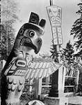 MIKAN 3353855 Totem Pole on Indian Reserve - Thunder Bird Totem. 1938 [Totem Pole on Indian Reserve - Thunder Bird Totem., 1938]