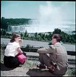 MIKAN 4312098 Niagara Falls overlooking Horseshoe Falls.  July 1951. [190 KB, 1000 X 1005]
