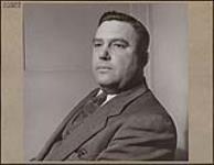 MIKAN 4310303 E.E. Savage, maître mécanicien à la Société Polymer de Sarnia. mars 1946 [E.E. Savage, maître mécanicien à la Société Polymer de Sarnia., mars 1946]