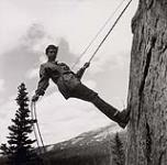 MIKAN 5196136 [Donna Trotter repelling]. [between 1953-1964] [[Donna Trotter repelling]., [between 1953-1964]]