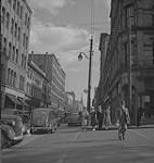 MIKAN 4325547 Halifax, street scene. [ca. 1939-1951] [162 KB, 1000 X 1054]