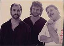 MIKAN 4384028 Portrait studio du groupe The Heard, SaintJohn, Nouveau-Brunswick. ca. 1994. [94 KB, 1000 X 717]