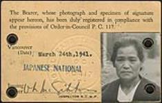 MIKAN 5006671 Carte d¿identité d¿un camp d¿internement appartenant à Taka Sakamoto. mars 1941. [161 KB, 1000 X 637]