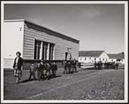 MIKAN 5320339 [Moose Factory Indian Day School]. Original title: Indian School Moose Factory. [between 1900-1976] [[Moose Factory Indian Day School]. Original title: Indian School Moose Factory., [between 1900-1976]]