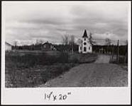 MIKAN 5159044 [Church and dirt road on Millbrook Reserve]. [between 1900-1976] (Print) [[Church and dirt road on Millbrook Reserve]., [between 1900-1976]]