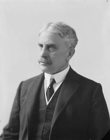 Link to the profile of the prime minister Sir Robert Laird Borden